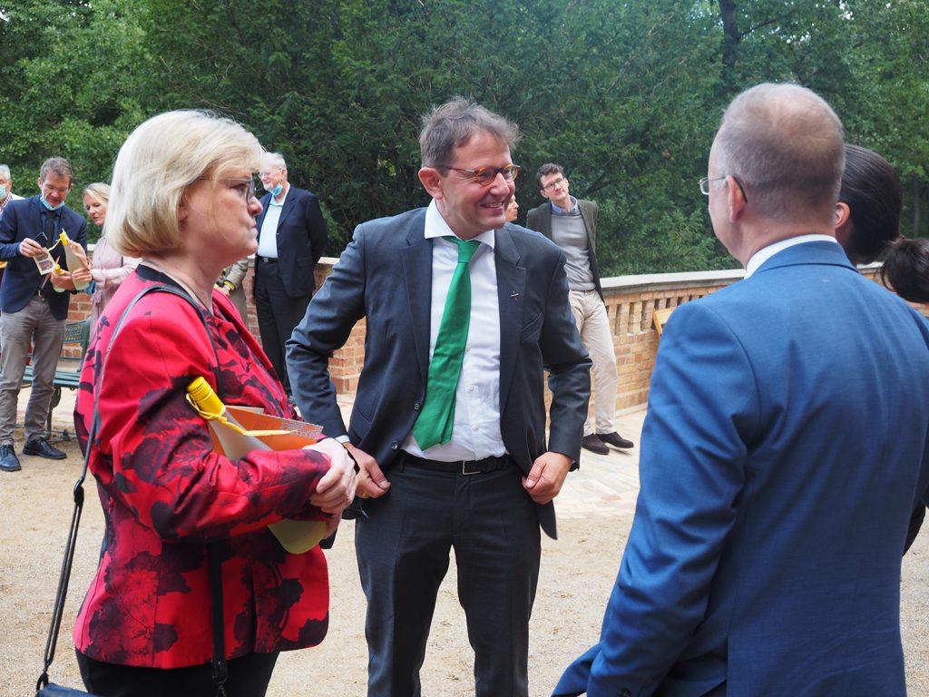 Bezirksbürgermeisterin Cerstin Richter-Kotowski und Superintendent Dr. Johannes Krug